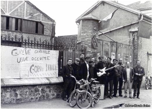 Mai 68 - Asnieres usine Gaubin-daude - piquet de greve