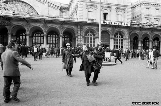 Mai 68 - Paris Gare de l'est - Arrestation