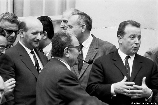 mai 1968 - Paris - accords de Grenelle Henri Krasucki Benoit Frachon Georges Seguy